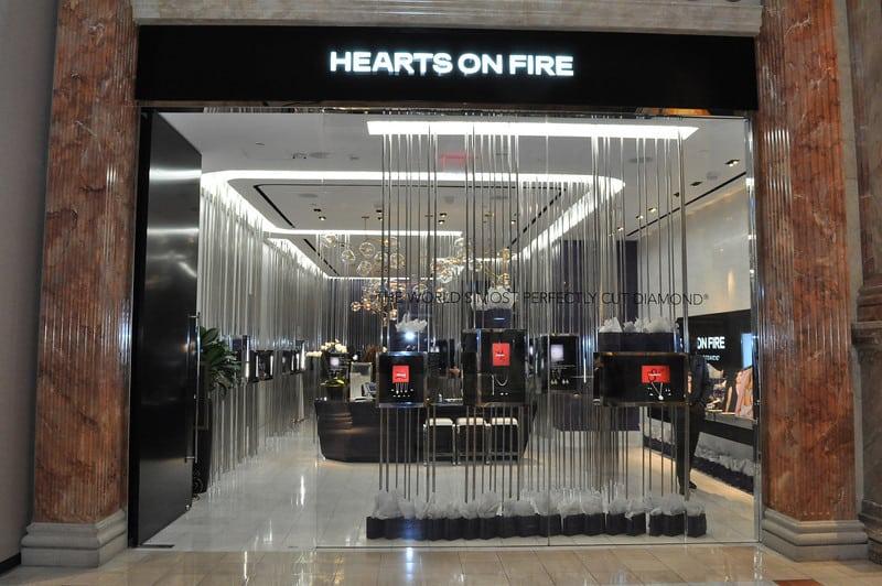 hearts-on-fire-diamonds-las-vegas-caesars-photo-mark-bowers-039-L