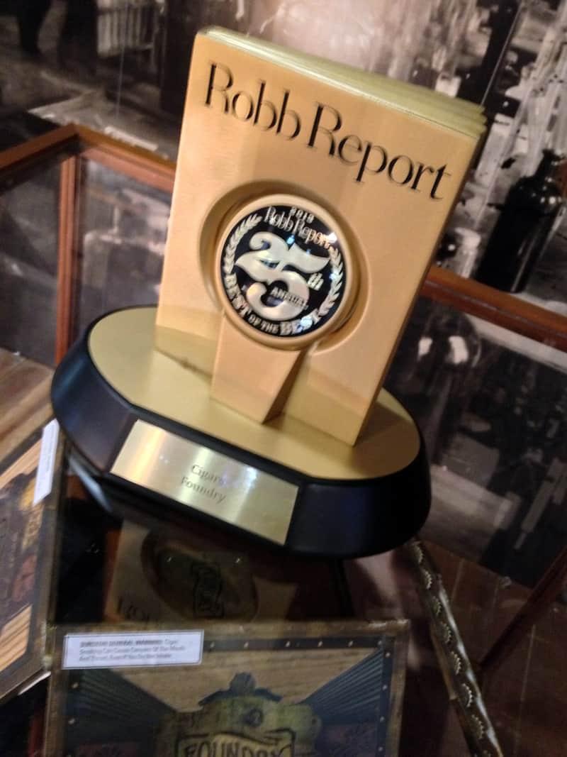 2013-IPCPR-RobbReport-Award