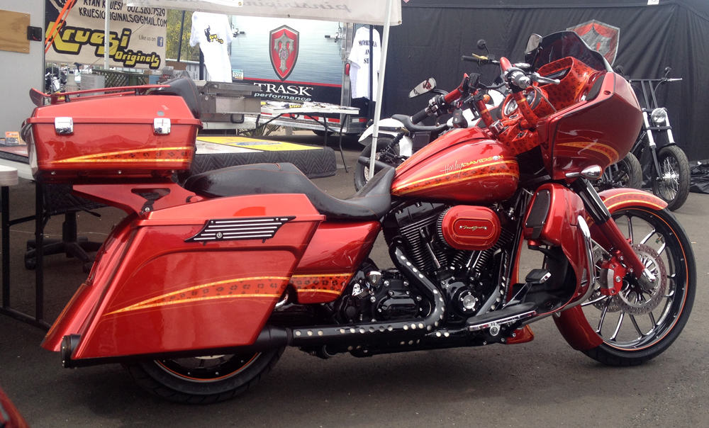 Mark Brodie Custom Bagger at AZ Bike Week 2014, Cave Creek, AZ