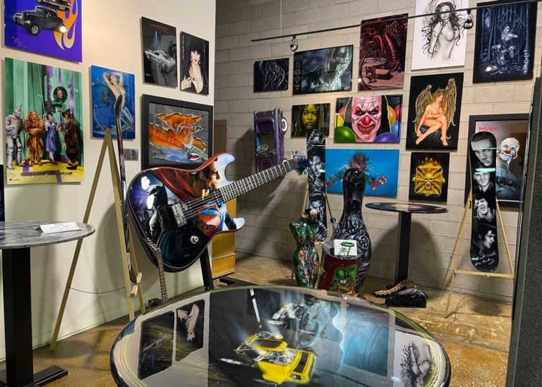 Willy's Garage Airbrush Art Collection